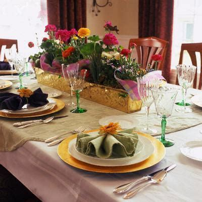 Dining Table Decorations by Dining Room Table Decorations