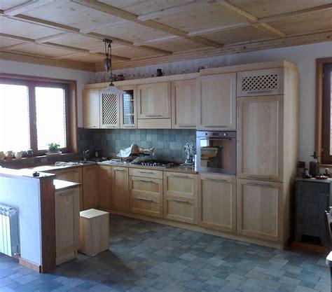cucine in frassino cucine moderne e tradizionali realizzate dalla legnostile