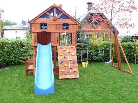 Impressionnant Cabane De Jardin Sur Pilotis #5: jeux-enfants-cabanne-toboggan-d%C3%A9cor%C3%A9e-balan%C3%A7oire-mur-escalade.jpg