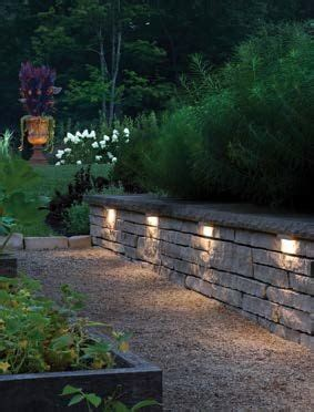 retaining wall  accented  hinkleys hardscape