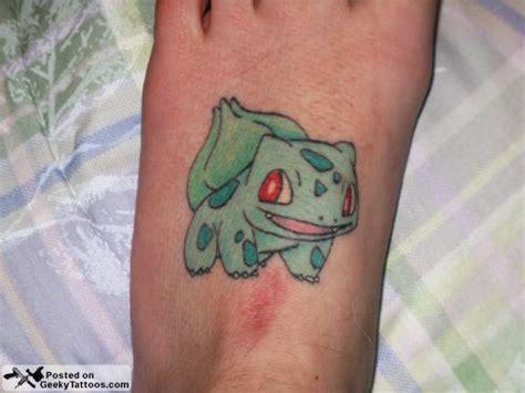hylian crest tattoo s hylian crest geeky tattoos