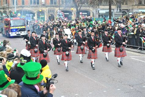 new year parade manchester 2015 st s day 40 000 hit the streets to turn