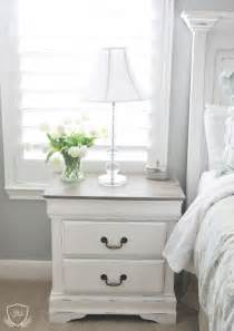 Best Way To Paint A Dresser White by Best 25 White Chalk Paint Ideas On Chalk