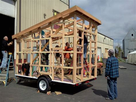 build a tiny house dee s field report from the casa pequena tiny house building workshop