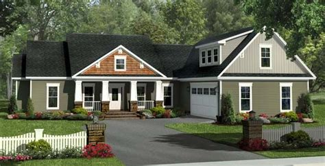 traditional craftsman house plans bungalow craftsman traditional house plan 59212