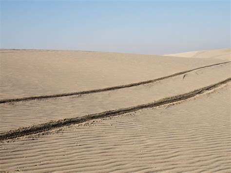 Sand Trax Sand Lander Road tracks in sand wallpaper 1024x768 32237