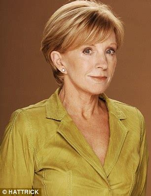 anne robinson hairstyles pictures of age defying hairstyles how to look younger