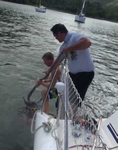 boat anchor won t come up can t pull up the anchor family adventuring
