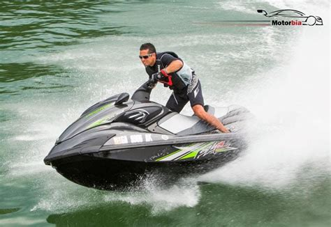 jet boat kuwait jet ski yamaha fzr 2012 model for sale in kuwait