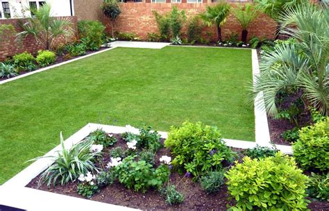 Simple Garden Designs No Fret Small Garden Design Small Garden Layout