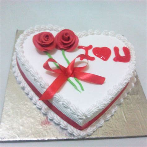 heart shape anniversary cake  send   yummycake