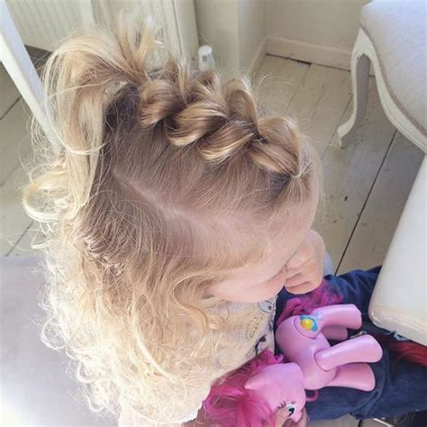 Hairstyles For Toddlers With Hair by 1000 Ideas About Easy Toddler Hairstyles On