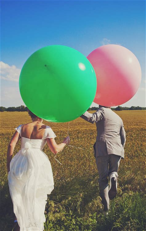 Wedding obsession giant balloons the family chapters
