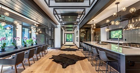 houses  dining rooms      big