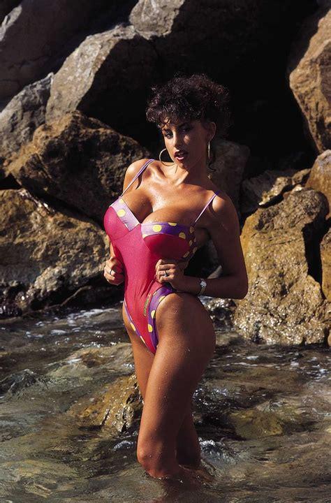 1000 images about sarah susanka on pinterest big houses sarah young sarah louise young big tit queens of the