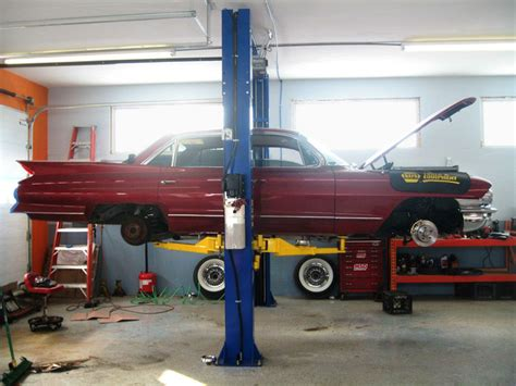 Post Garage Sales by 9koh 2 Post Lift For Cadillac Garage Shed New York