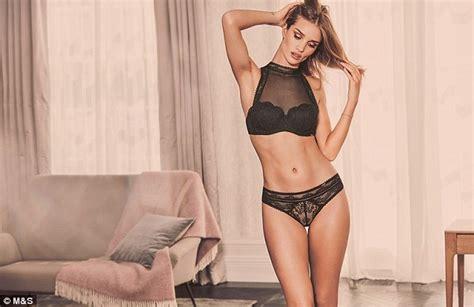rosie huntington whiteley underwear m s rosie huntington whiteley displays gym honed body in sexy