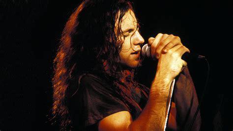 Pearl Jam's Eddie Vedder Talks Story Behind 'Jeremy