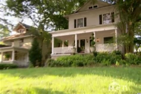 hgtv curb appeal hgtv s curb appeal the block gives fraud victims home