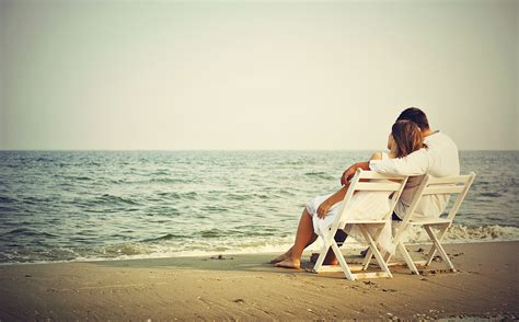 new married couple wallpaper hd love couple on beach wallpapers new hd wallpapers