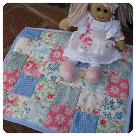 Easy Patchwork Blanket - patchwork blankets and dolls on