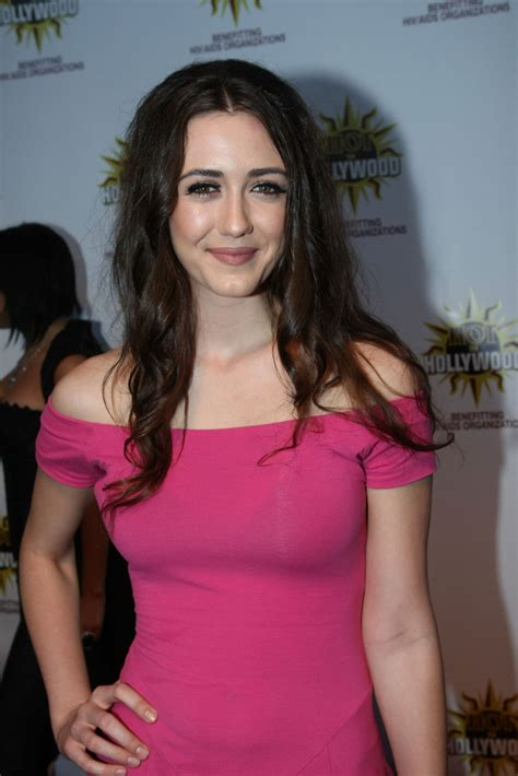 actress madeline zima 20 most stylish pictures sheclick com