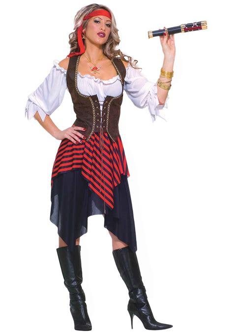 women halloween costume ideas sweet buccaneer costume