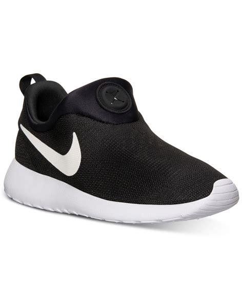 nike mens roshe run slip  casual sneakers  finish