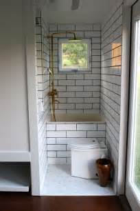 Small Bathroom With Bath And Shower 25 Best Ideas About Tiny House Bathroom On Pinterest