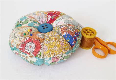 pattern fabric making diy pincushion tutorial with free pattern