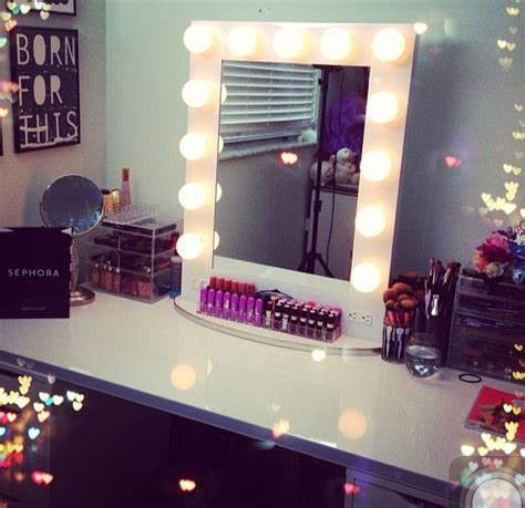 Makeup Vanity Table With Lighted Mirror 17 Best Images About Vanity Ideas On Lighted Mirror Vanities And Dressing Tables