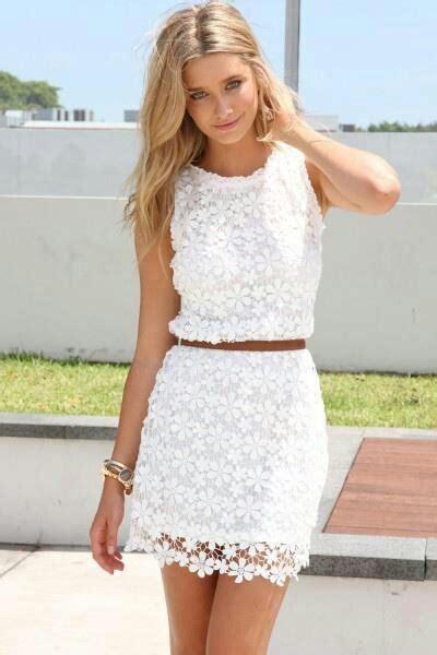 encaje ck white lace dress with leather belt