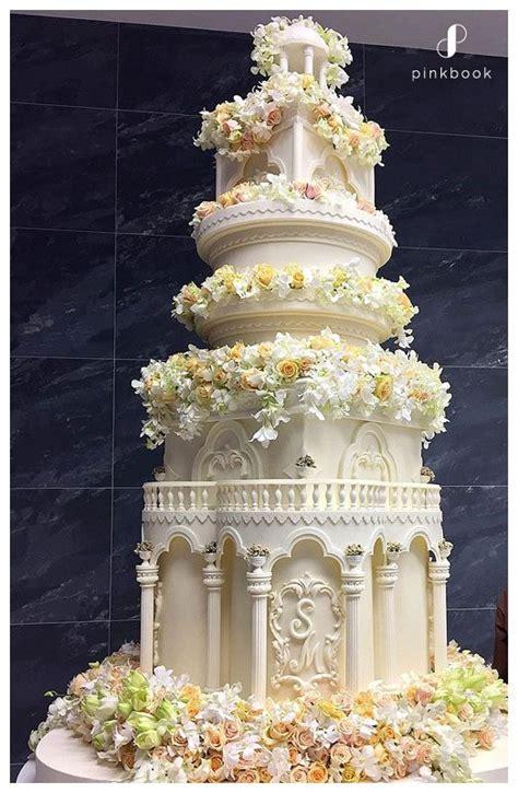 Wedding Cake Za 10 most extravagant wedding cakes wedding cakes south africa