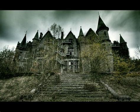 libro abandoned the most beautiful abandoned castle old creepy buildings