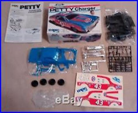 richard petty models in box mpc 1 1713 charger amt t229 dodge dart mpc 1 1708 c