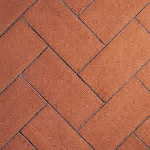 piastrelle per terrazzi resistenti al freddo come togliere le macchie di unto dal pavimento in cotto