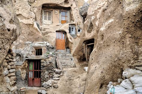 the oldest rock on the floor the oldest still inhabitated buildings in the world