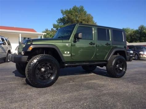 dark green jeep lifted best 20 green jeep ideas on pinterest