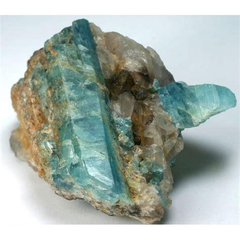 Aquamarine Beryl 2 beryl var aquamarine in quartz