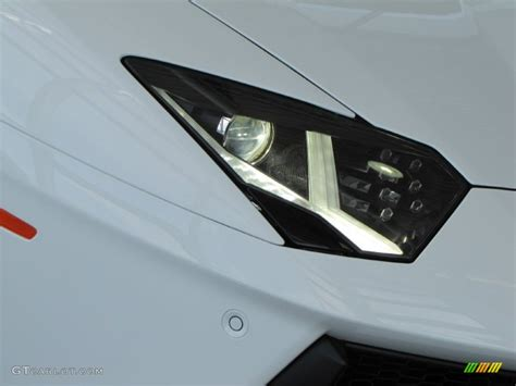 lamborghini aventador headlights in the 2012 lamborghini aventador lp 700 4 headlight photo
