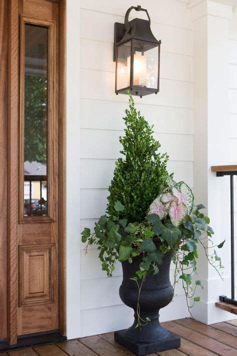 fixer outdoor lighting 2228 best images about chip and joanna gaines fixer