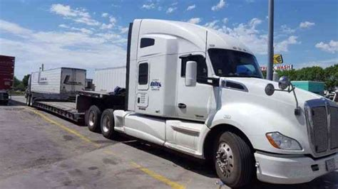 Kenworth T680 2015 Sleeper Semi Trucks