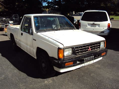 mitsubishi trucks 1990 1990 mitsubishi truck regular cab mighty max model 2 4l