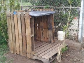 Pallet dog house diy dog house from pallets i