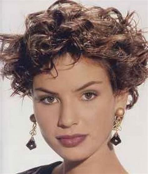 Old Fashioned Layered Hairstyles | short curly layered hairstyles