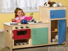 Big Girls Small Kitchens - build a kids play kitchen