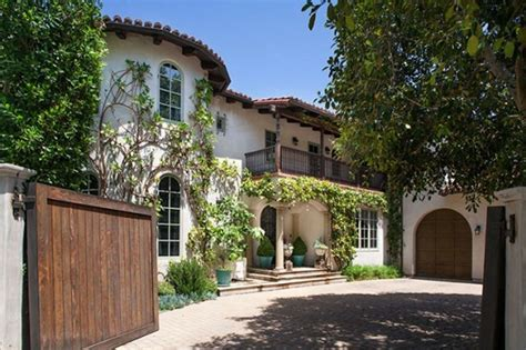 reese witherspoon house reese witherspoon sells last part of her brentwood compound