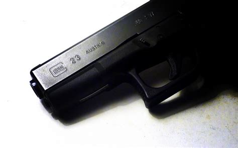 best light for glock 23 4 the 4 best iwb holsters for glock 23 concealed carry review