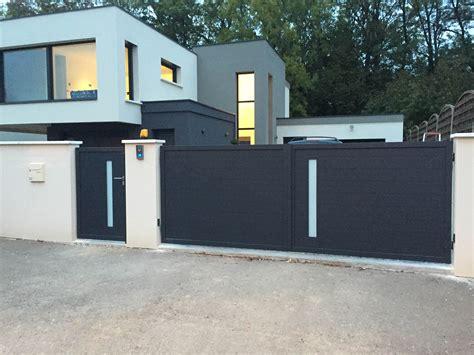 Portail De Maison Moderne by Portillon Moderne Portail Electrique Coulissant 5m