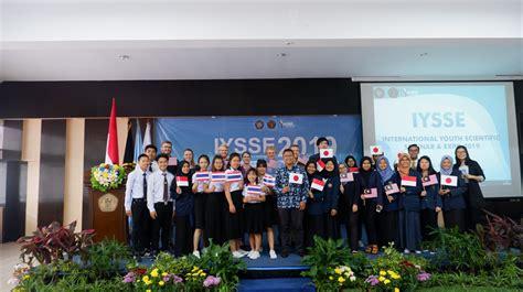kemeriahan acara international youth scientific seminar